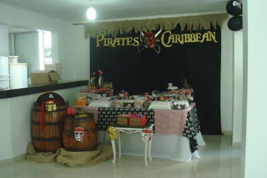 como fazer festa piratas do caribe