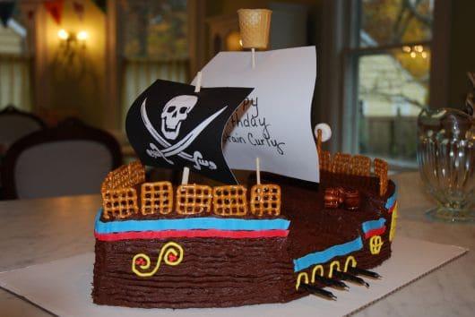 bolo para festa de pirata fácil