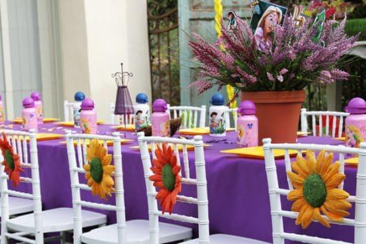 mesa convidados festa rapunzel enrolados