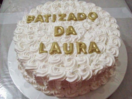 bolo de batizado com chantilly