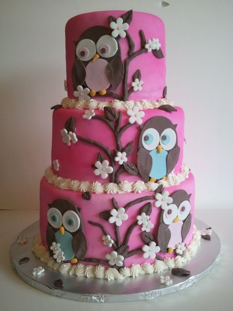 bolo decorado de 3 andares