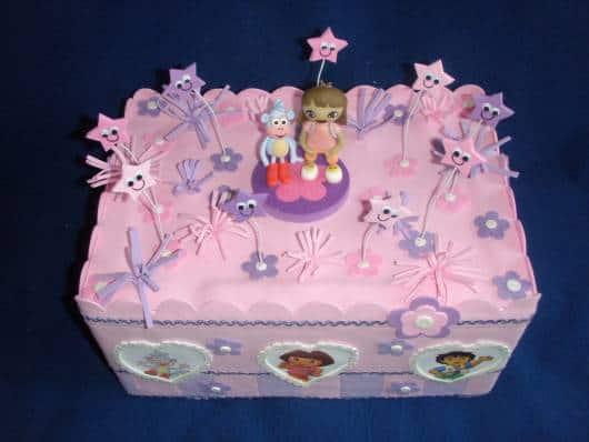 lindo bolo falso Dora aventureira