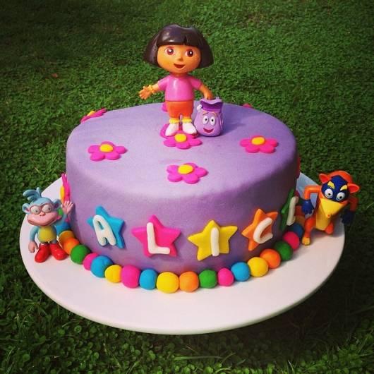 bolo falso colorido