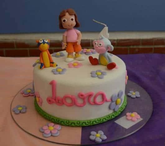 pequeno bolo da Dora