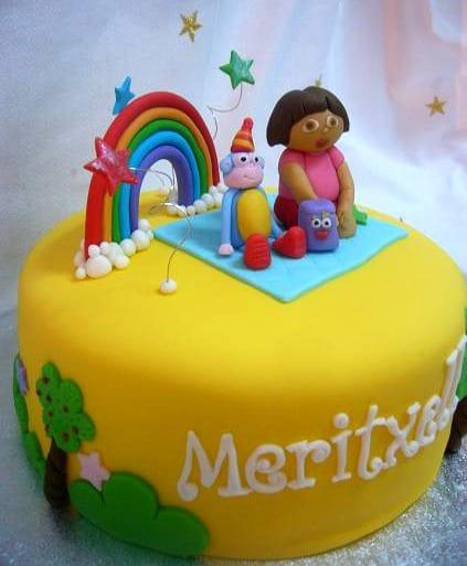 bolo falso simples Dora aventureira