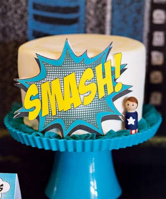 modelo simples de bolo super herói