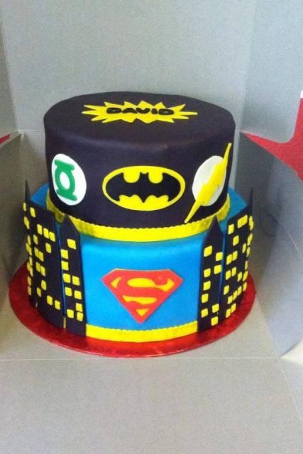bolo liga da justiça decoracao