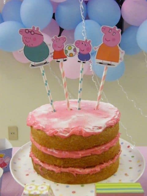 naked cake da peppa pig