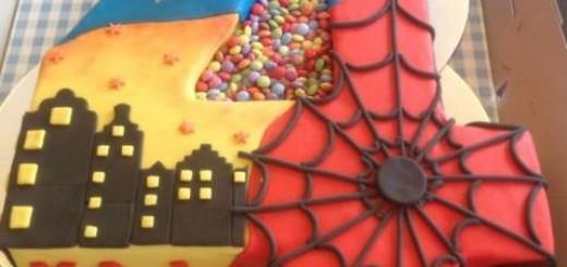 bolo-super-heroi-4-anos
