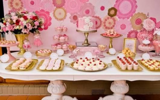 festa de 15 anos rosa e simples
