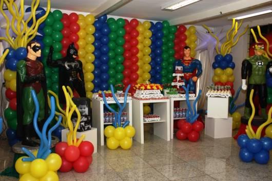 festa infantil liga da justiça provencal