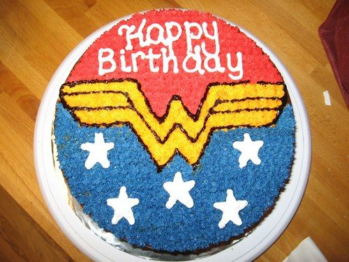 bolo simbolo da mulher maravilha