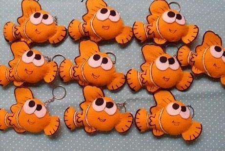 chaveirinhos em feltro em formato de Nemo