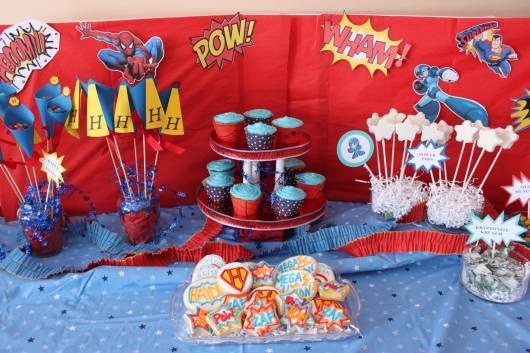 decoração de festa super heróis simples