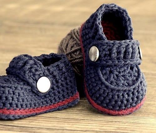 sapatinhos de bebê recem nascido de crochê