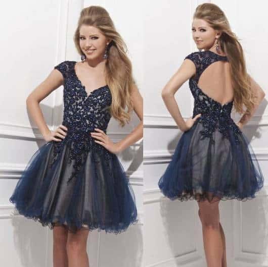 Modelos de vestidos de 15 anos com saia rodada
