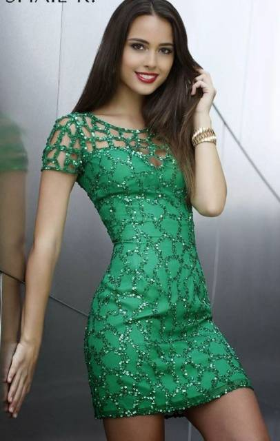 Vestido para debutante verde modelo tubinho