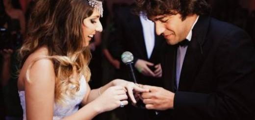 tradicional anel de debutante dado pelo padrinho ou pai
