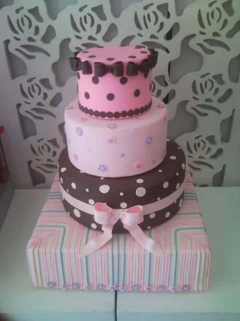 modelos de bolos jolie em camadas