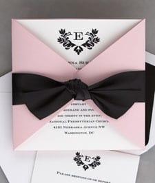 convite de debutante rosa claro e preto