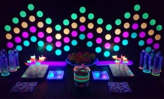 festa neon dicas baratas