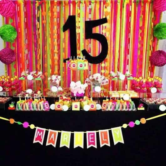 decoracao festa neon:Festa de 15 anos NEON: 30 Dicas para Fazer!