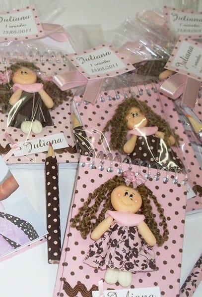 lembrancinha simples festa das bonecas