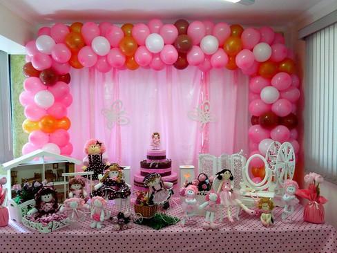 festa de bonecas rosa e marrom