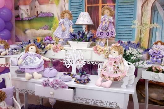 festa das bonecas lilás