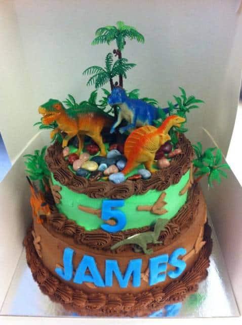 bolo decorado dinossauros