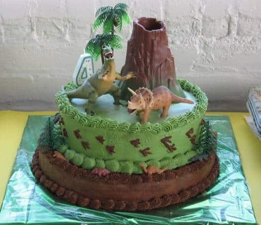 ideia bolo confeitado dinossauros