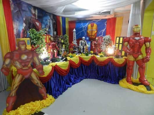 festa decorada do homem de ferro