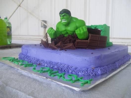 bolo decorado do hulk