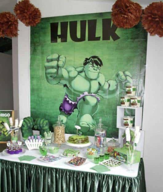 decoração de festa simples do hulk
