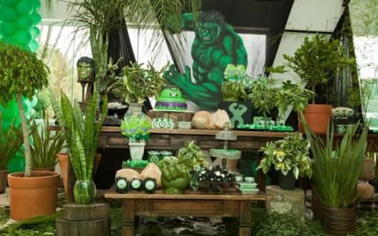 decoração diferente festa do hulk