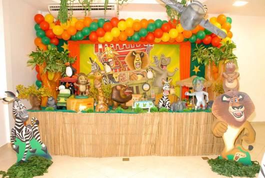 decoração festa madagascar