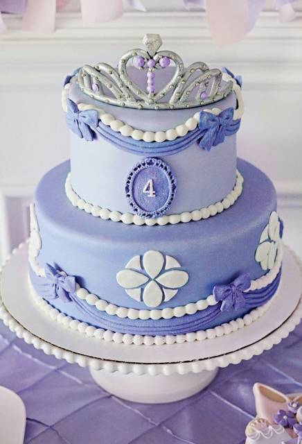 bolo pasta americana princesa Sofia