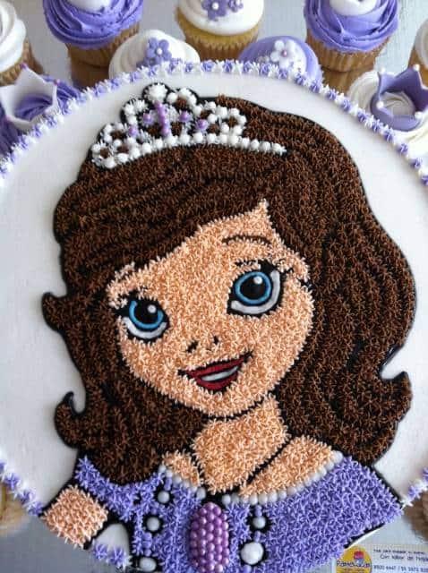ideia de confeitar bolo da princesa Sofia