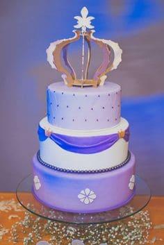 bolo falso da princesa Sofia