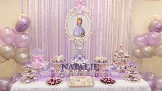 festa lilás e simples princesa Sofia