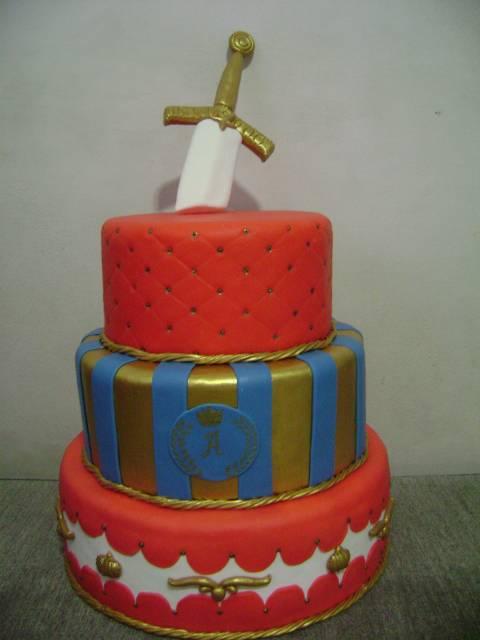 bolo com espada do rei arthur