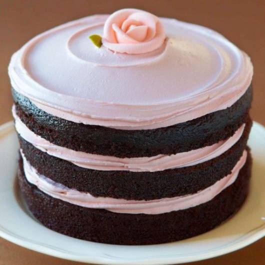 naked cake rosa e marrom
