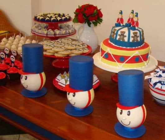 decoração simples festa soldadinho de chumbo