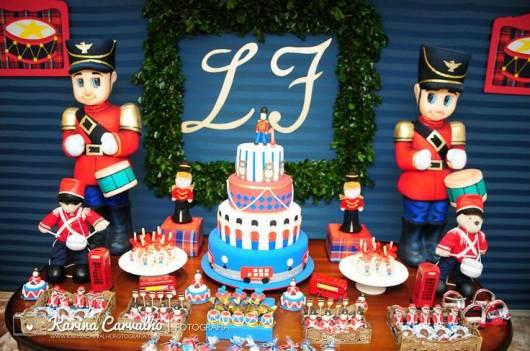 decoração azul e vermelho festa soldadinho de chumbo