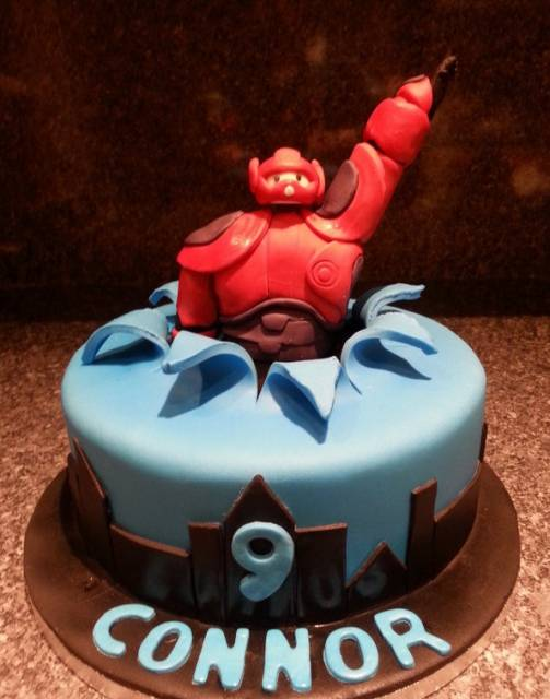 modelo de bolo de festa big hero