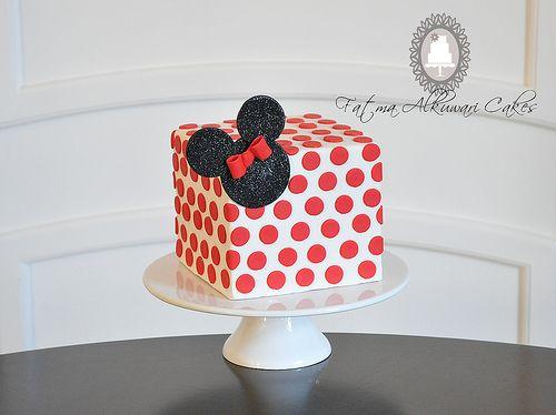 bolo minnie quadrado e vermelho