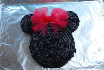 bolo de chocolate da minnie vermelha