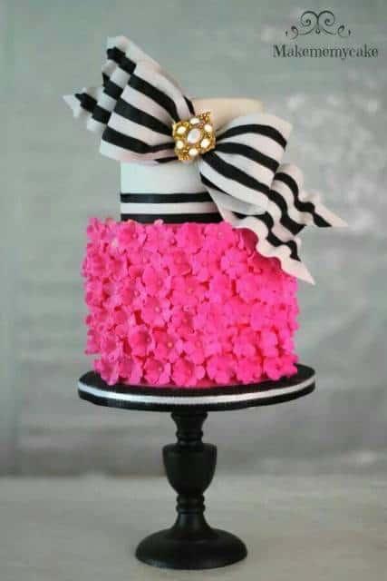 bolo debutante pink e preto