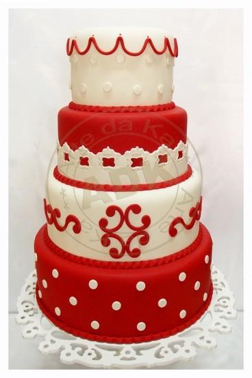 bolo 15 anos vermelho e branco