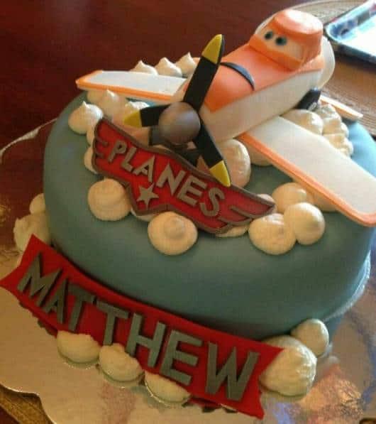 lindo bolo de festa tema aviões disney